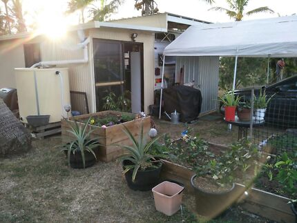 Permanent site Caravan and Annexe Cannonvale Whitsundays Area Preview