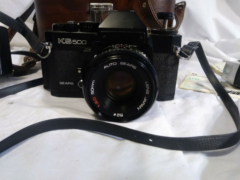 Vintage SEARS KS500 Manual SLR 35mm w/  flash and two cases (un tested)