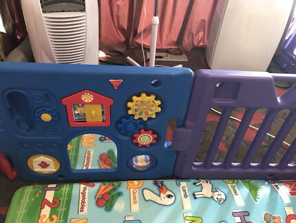 Playpen - 6 pieces with gate