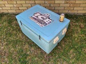 Ice Chest Esky Cooler .