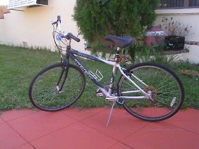 2459ea771ba trek multitrack 7000 mountain/road bicycle