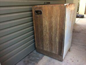 Old bar fridge