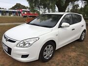 Hyundai i30 turbo diesel low kms long rego white RWc  Werribee Wyndham Area Preview