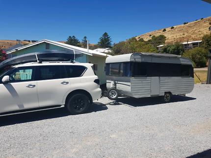 Caravan with toilet, shower hot water, sleeps 4, 14ft