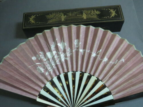 ANTIQUE CHINESE EXPORT FAN MIXED MATERIALS ENBROIDERY SILK LACQUED BOX ORIGINAL