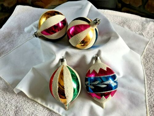 Lot 4 Vintage Retro Glass Christmas Ornaments Made In Poland    C14-6