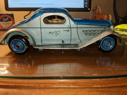 Vintage 1935 Wolverine Mystery Car push down action works!!