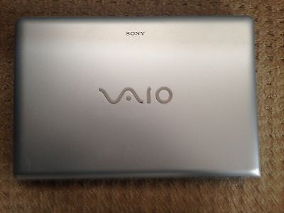 "Sony VAIO Laptop VPCEB11FM Intel Core i3 2.13GHz 4GB-RAM 250GB-HDD 15.6"""