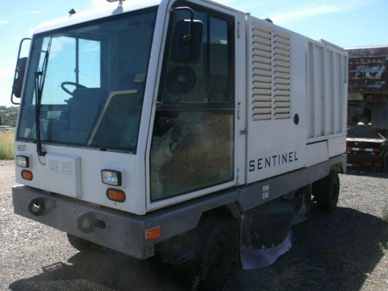 Tennant Sentinel Street Sweeper 4 cyl caterpillar diesel runs drives great