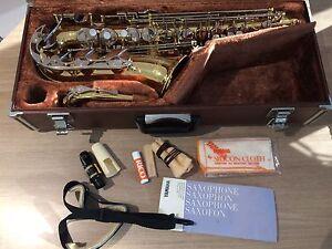 Yamaha alto saxophone - excellent condition Elanora Gold Coast South Preview