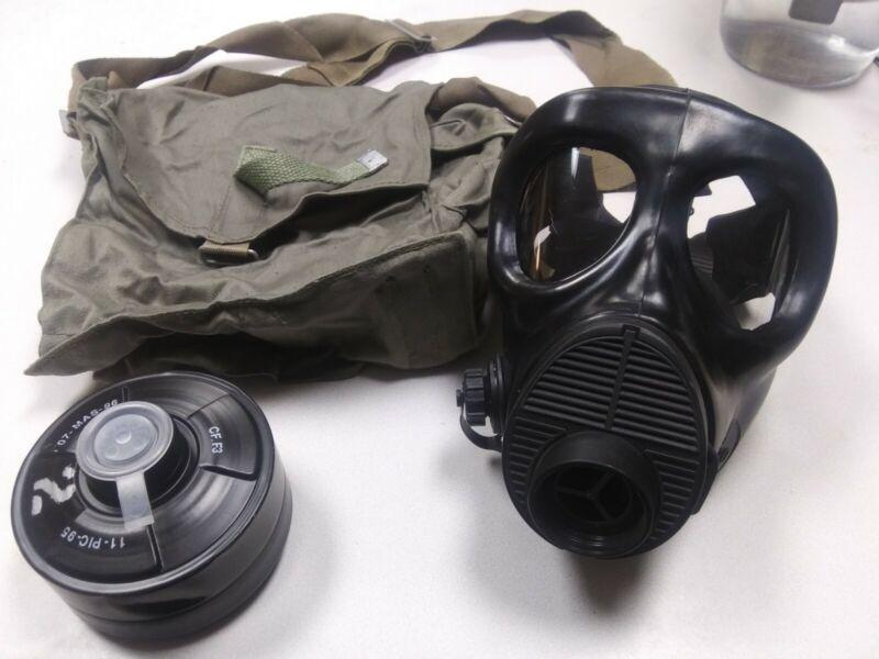 Italian Military Surplus M90 Gas Mask
