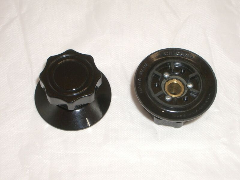 """GC 4104 CHICAGO DAKAWARE 1-1/8"""" SKIRTED FLUTED RADIO DIAL KNOB 1PC COLLINS 75A-4"""