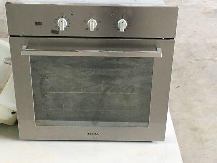 Ovens:  Technika or Omega