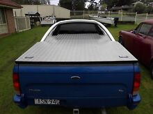 Hard aluminum ute cover and roll bar Bargo Wollondilly Area Preview
