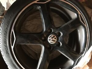 "225/40R18 92H M+S  P Zero Nero tires on 18"" VW rims"