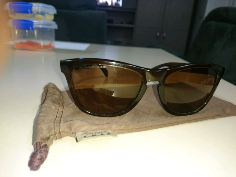 9cb5fe3cac0 Oakley Frogskins polarised sunglasses