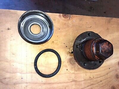 Case Sc Tractor Front Wheel Hub With Cap 6253a