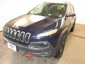2016 Jeep Cherokee Trailhawk-4X4! ALLOYS! NAV! SUNROOF!