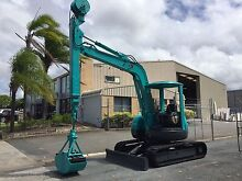 KOBELCO SK50UR EXCAVATOR WITH CLAM SHELL BUCKET Arundel Gold Coast City Preview