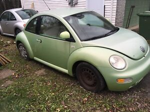 2000 Volkswagon Beetle 2.0 Automatic Part out