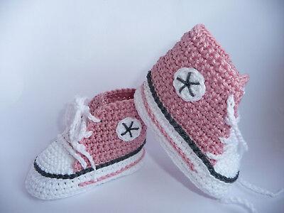 Babychucks, Babyschuhe, Socken, gehäkelt, gestrickt, weiß/altrosa/grau 10 cm Neu
