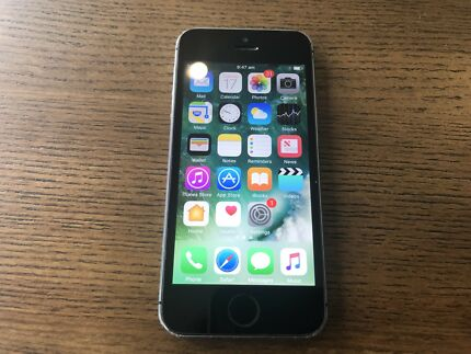 iPhone 5s 16gb space gray in good condition