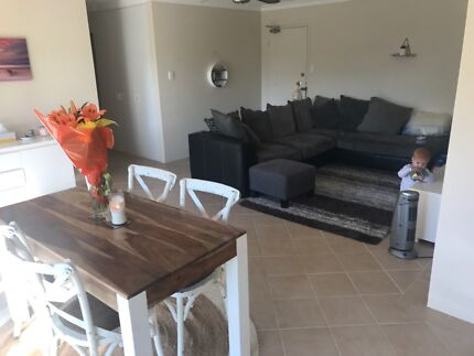 3 bedroom, 2 bathroom apartment, fully furnished