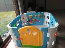 Square baby playpen with door Camden Area Preview