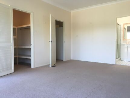 Large room to rent in Katoomba