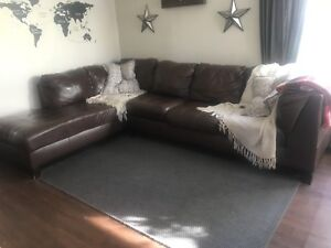 Sofa sectionel brun