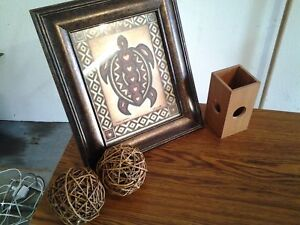 HAWAIIAN HONU FRAMED PICTURE AND ACCENTS
