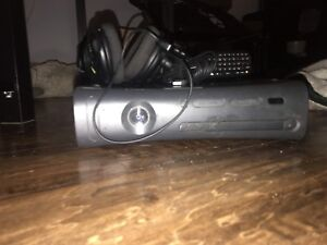 Selling Xbox360 plus 43 games