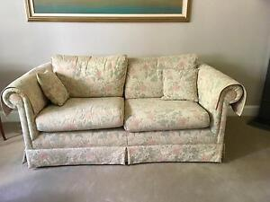 2.5 seater lounge Wollstonecraft North Sydney Area Preview