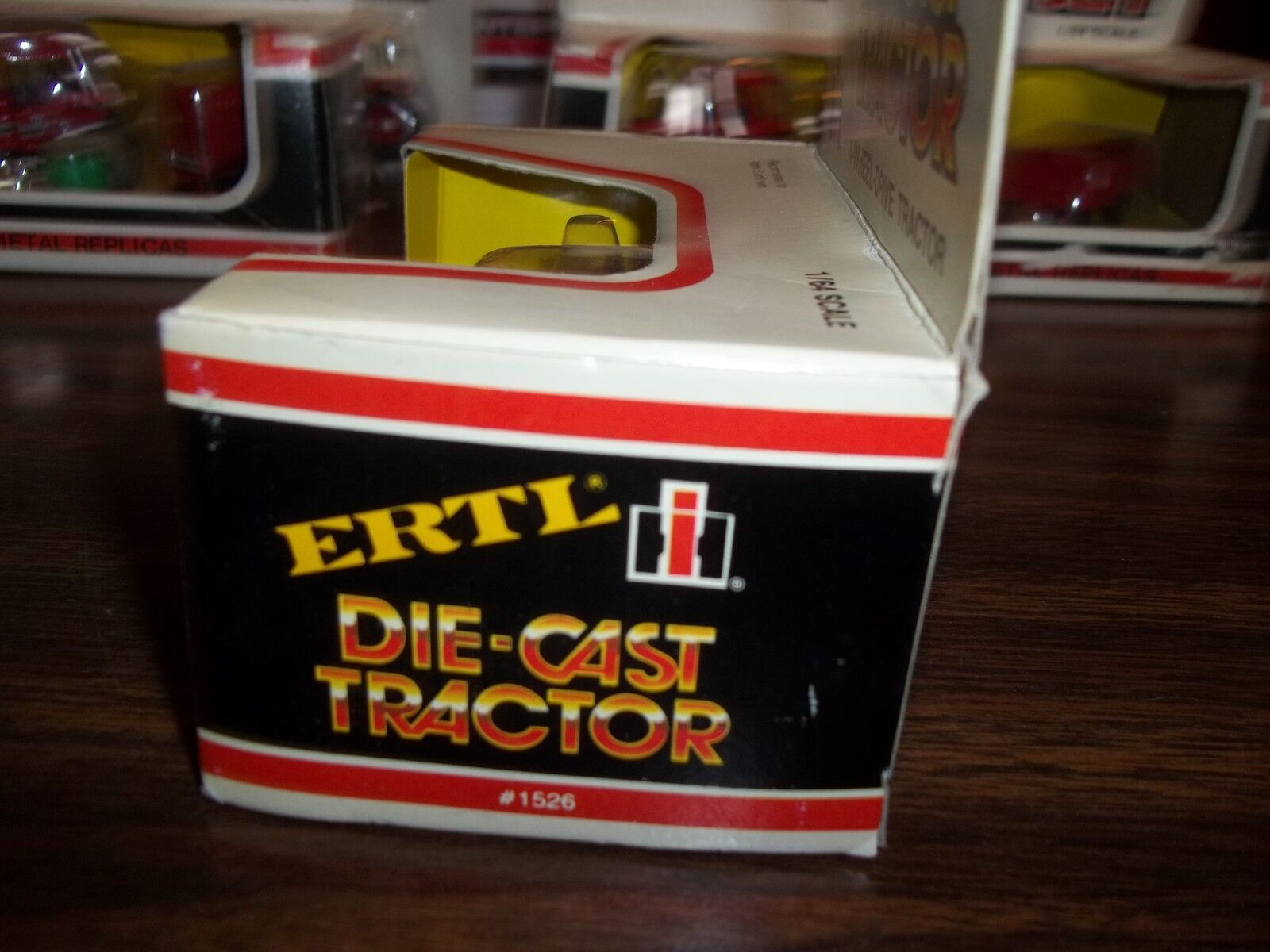 ERTL 1/64 SCALE DIE-CAST INTERNATIONAL 6388 2+2 4-WHEEL-DRIVE TRACTOR PART#1526 1