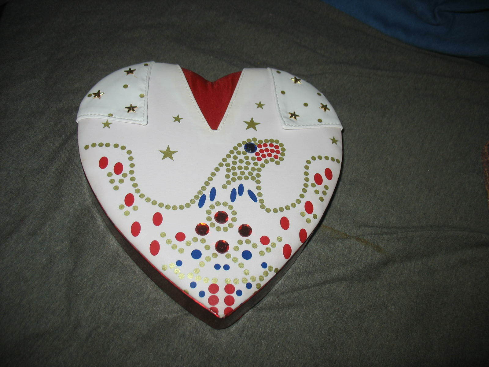 Elvis Presley Russell Stover Limited Edition Jeweled White Eagle Cape Candy Box - $10.99