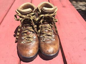 Backpacking Hiking Boots, women's size 8, leather