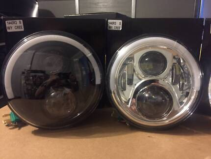 """7"""" LED Headlight with Day Time Running Light & Indicator"""