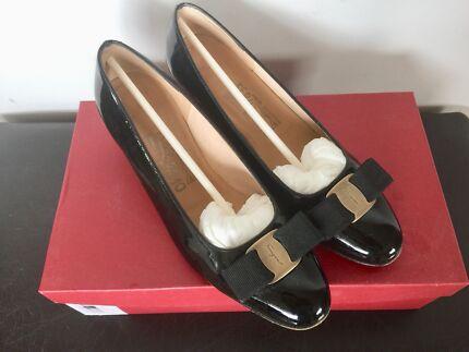 RRP $795 Salvatore Ferragamo Vara Bow Pump Shoes Black size 7C