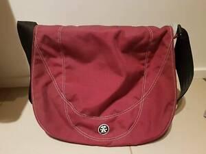 Crumpler 'The Cheesy Tina' laptop bag
