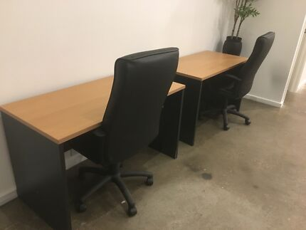 Near new office desks x4 - 600x1200mm