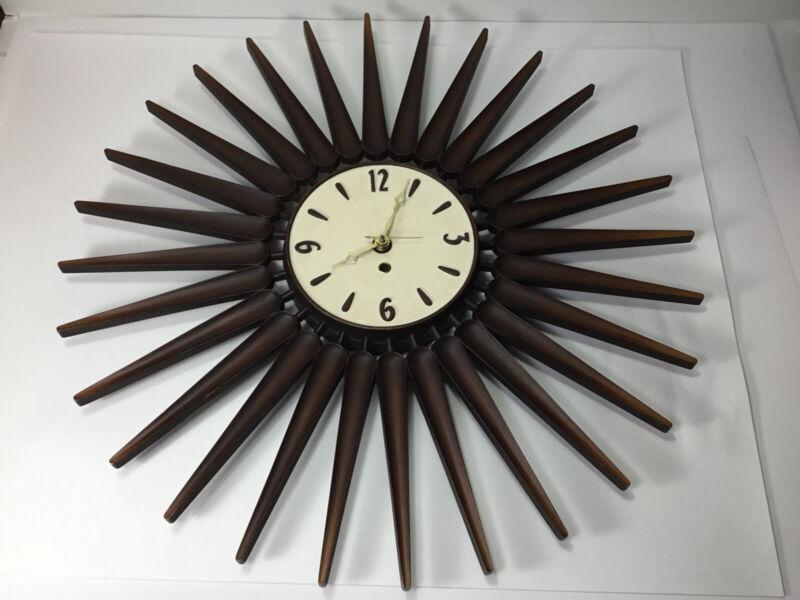 "Vintage SYROCO Mid Century Modern Atomic Starburst Sunburst  22"" Wall Clock USA"