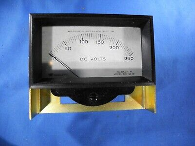 Triplett Model 320-glb 0-250 Dc Volts Panel Meter