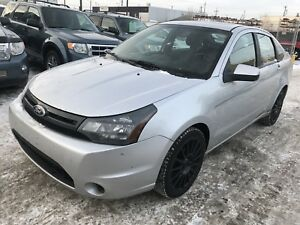 2010 Ford Focus SES (WARRANTY)(LEATHER)(SUNROOF)(WINTER READY)
