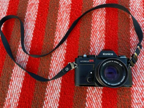 SERVICED WORKING Konica Autoreflex T4 Black with 50mm Lense and FREE FILM