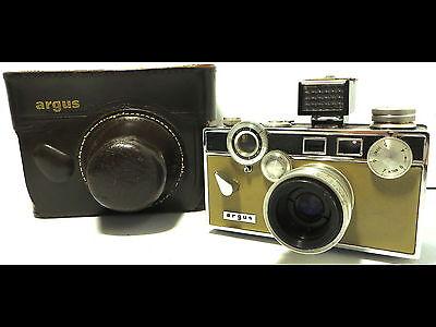 Vintage Mid-Century ARGUS C3 Rangefinder 35mm Film Camera Tan/Beige Front & Back