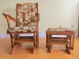 Recliner/glider chair and stool