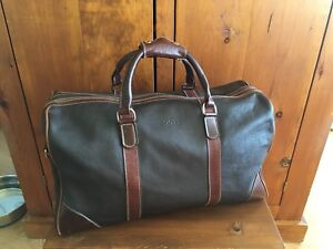 EUC Roots Small Banff Weekender  Leather Duffle Bag