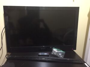 """Tv 40"""" & remote & delivery & wall mount"""