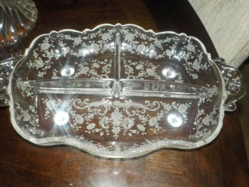 CAMBRIDGE CHANTILLY ETCHED CRYSTAL FOOTED. MAYONNAISE AND LADLE