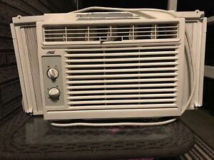 AC for sale only used for 1 summer
